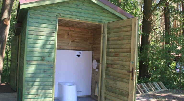 Suche toalety ekologiczne w Spóroku